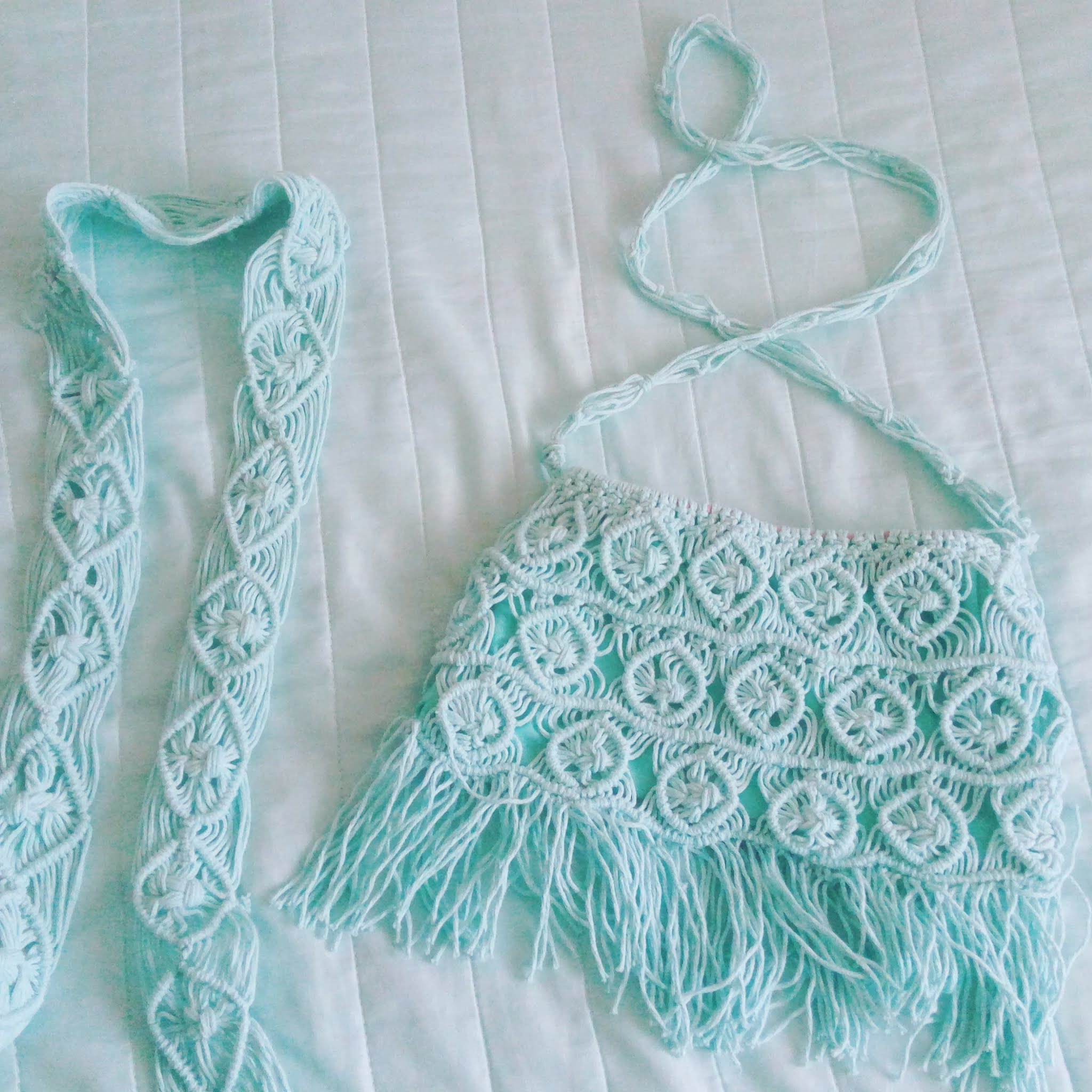 IMG_2020061Women's knitted macrame bag - turquoise color